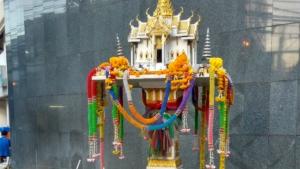 thaii-spirit-houses