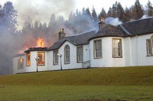 PAY-Boleskin-House-on-fire