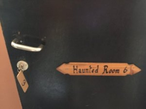 room-6-the-haunted-room